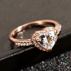Fashion Rose Gold Crystal Heart Shaped  Wedding Rings For Women Luxury Elegant Zircon Engagement Rings  Jewelry Party Gifts