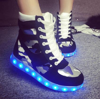 נעלי לד צבאיות