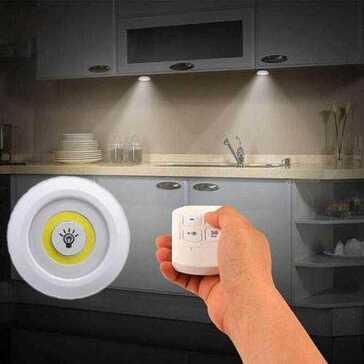נורת LED הפועלת על סוללות, ניתנת לעמעום בעזרת שלט, מושלמת לארונות