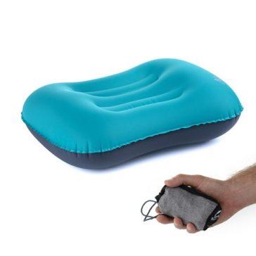 כרית מתנפחת לטיולים ולשינה שאפשר לקחת בכיס
